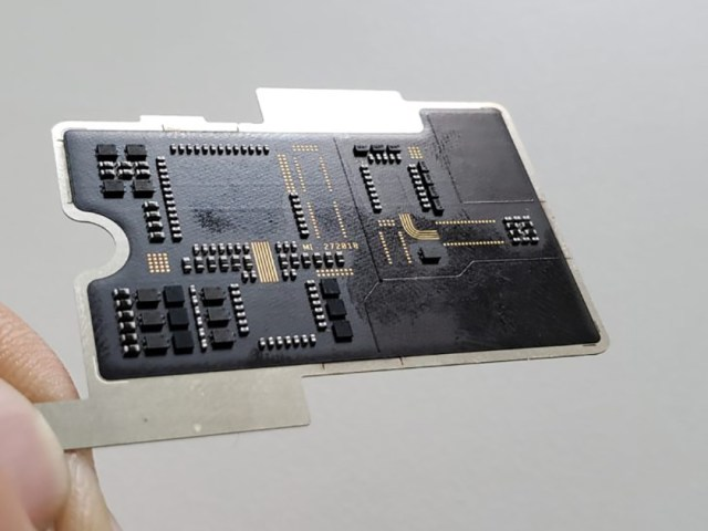 An image of the fake circuit board under the transparent back of the Xiaomi Mi 8 Explorer Edition.