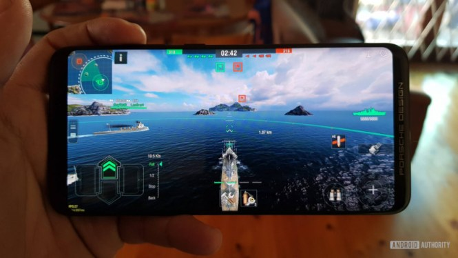 Porsche Design Huawei Mate RS playing World of Warships Blitz