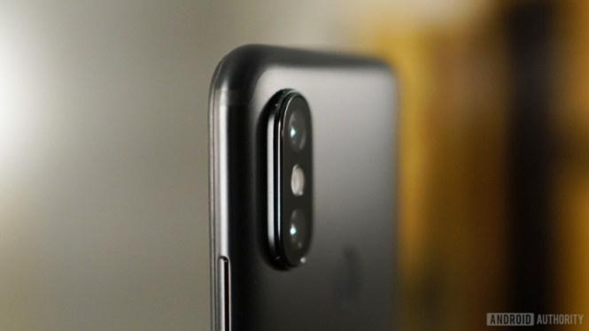 Xiaomi Mi A2 camera bump