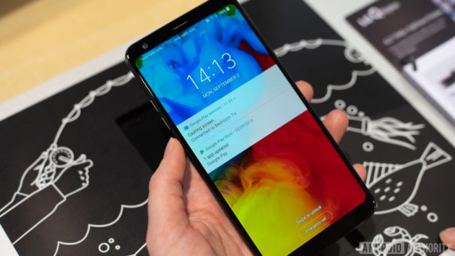 LG Q Stylus in use at IFA Berlin 2018 (front)