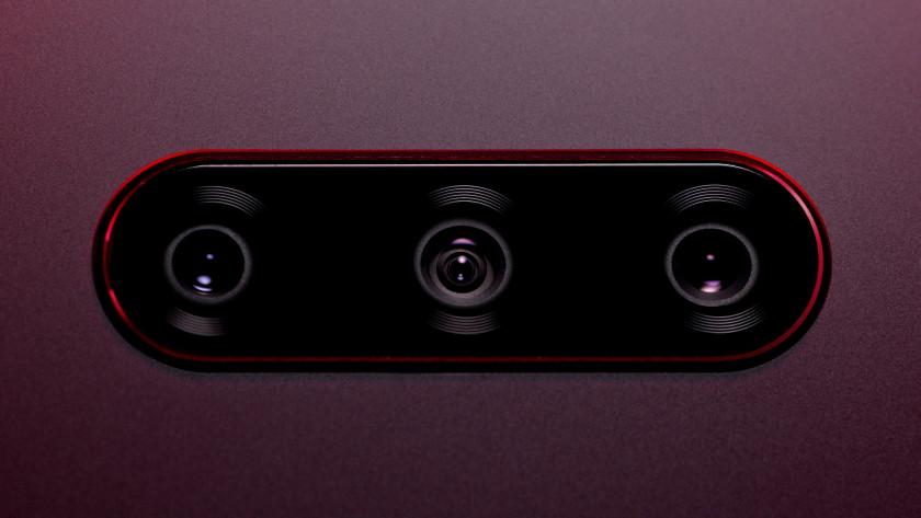 LG V40 ThinQ rear camera