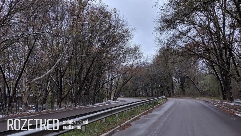 Exemple de photo de Google Pixel 3 Lite représentant une route en pleine journée.