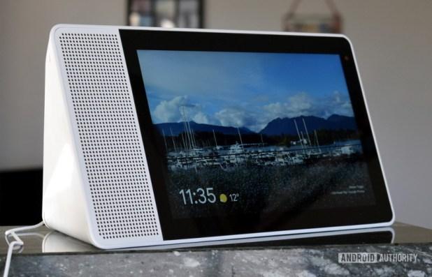 Lenovo Smart Display Speaker - one of the best smart displays