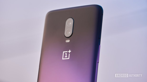 The OnePlus 6T in Thunder Purple.