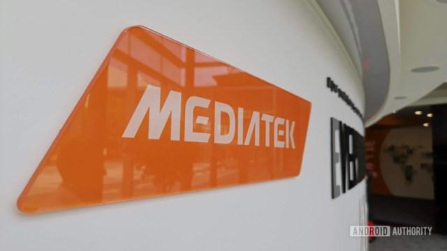 Логотип MediaTek в штаб-квартире компании в Синьчжу.
