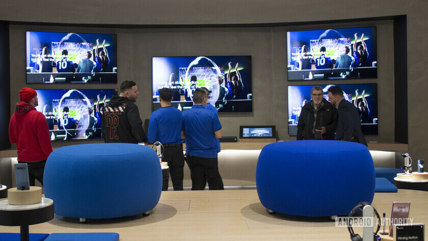A wall of Samsung TV & # 39; s that can be seen in the Samsung Experience Store on Long Island.