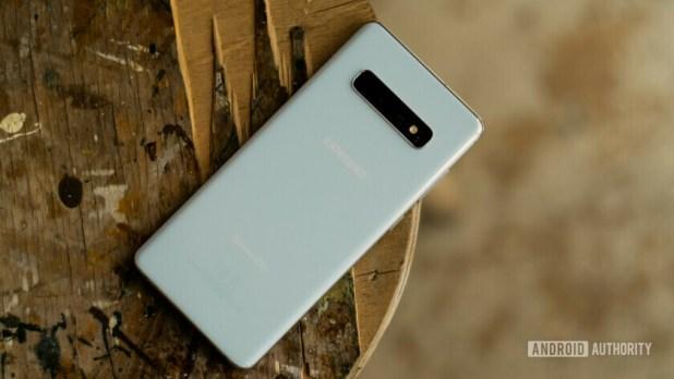 Samsung Galaxy S10 Plus Back Angle