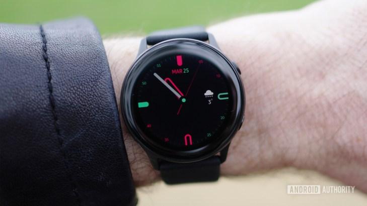 Samsung Galaxy Watch Active outdoor visibility 1