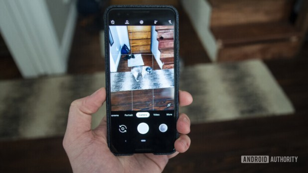 google pixel 3 camera interface in hand