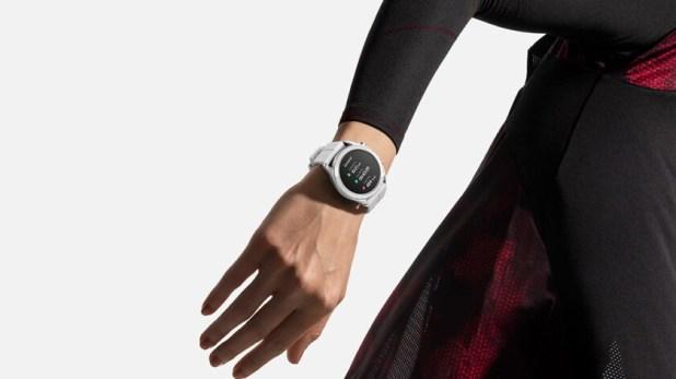 huawei watch gt smartwatch elegant on wrist