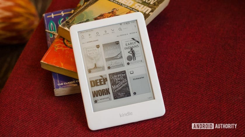 Amazon Kindle 2019 front of eink display with books