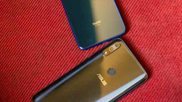 Redmi Note 7 vs Asus Zenfone Max Pro M2 back of the phone and logos