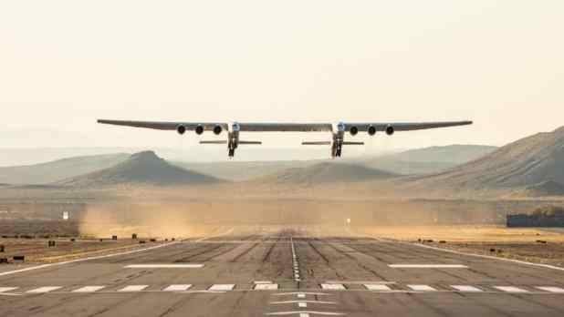 The enormous Stratolaunch aircraft taking off on its first flight