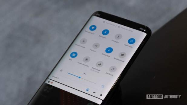 OnePlus 7 Pro notification shade