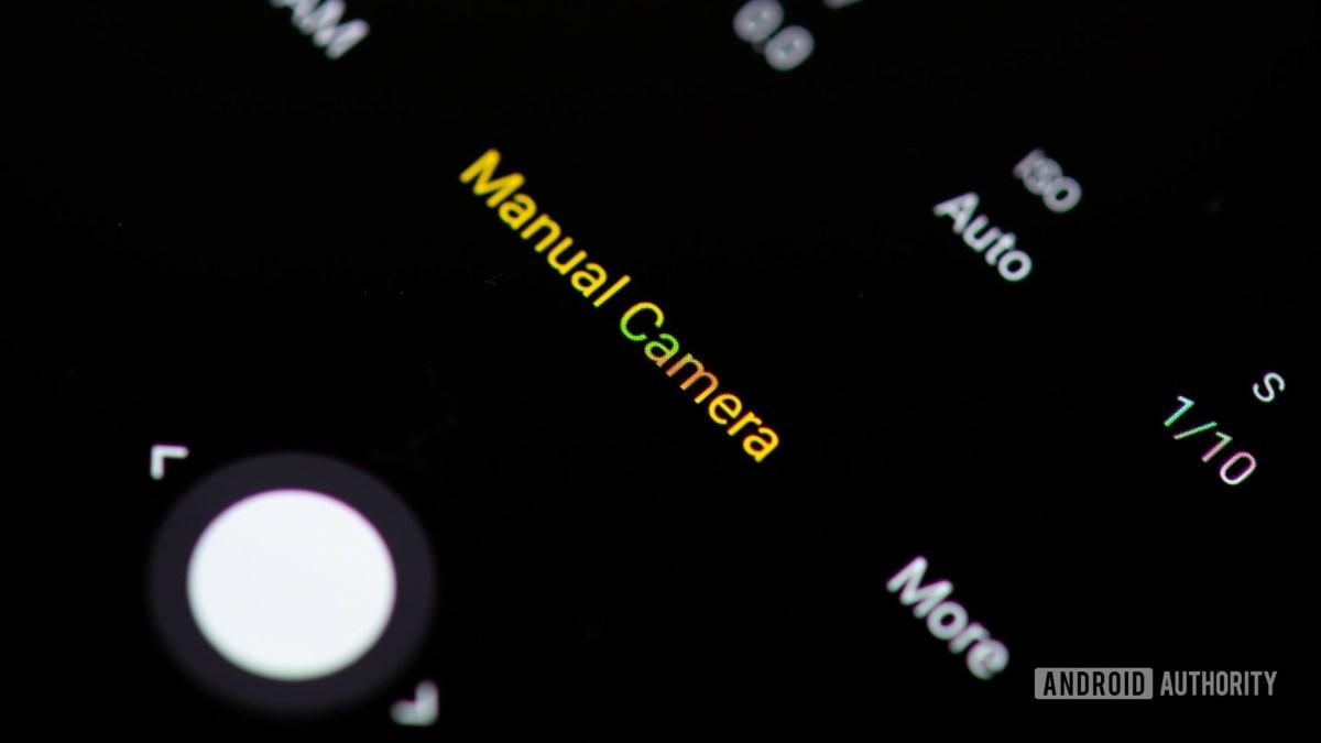 Приложение камеры с ручным режимом.