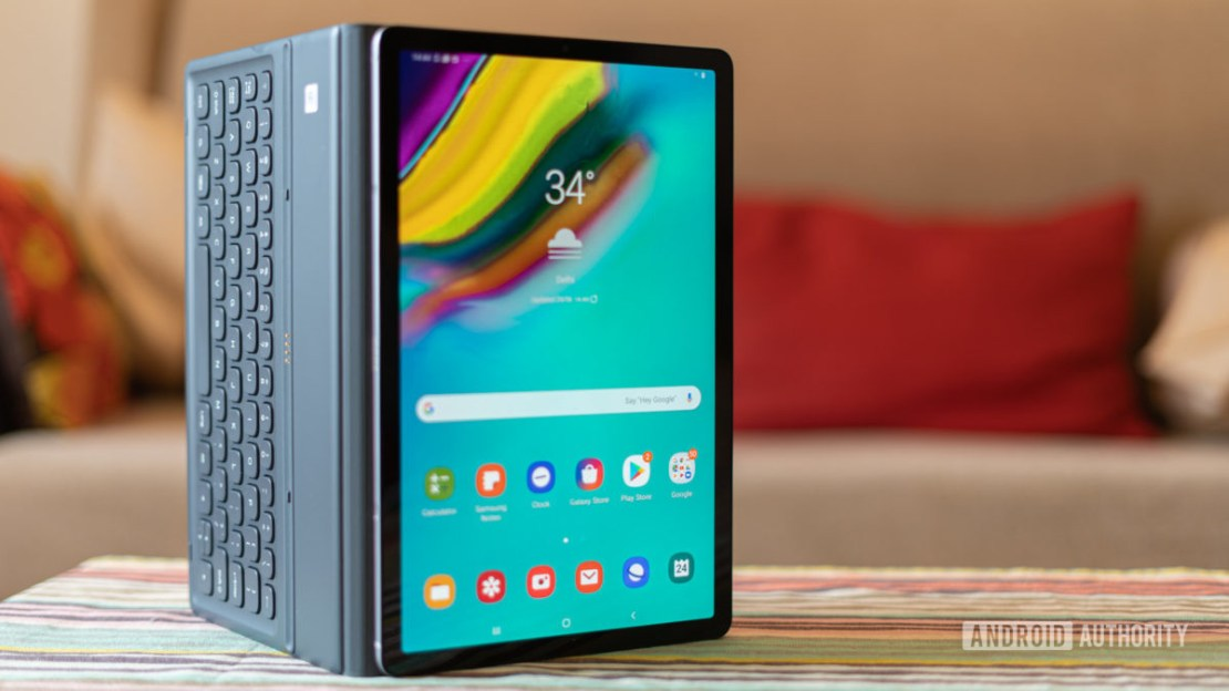 Galaxy Tab S5e with keyboard attached