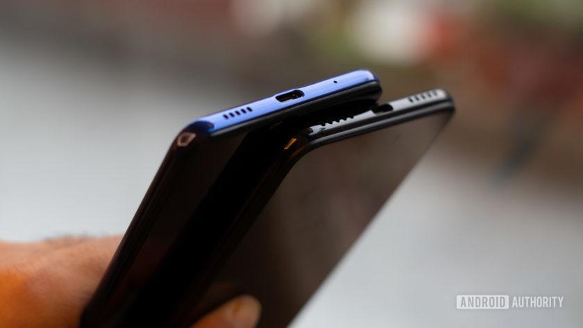 Samsung Galaxy M40 vs Redmi Note 7 Pro USB-C ports