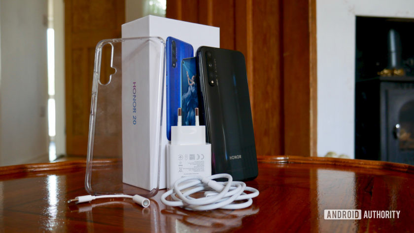Honor 20 review box charger case