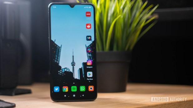 Xiaomi Mi 9 home screen with Nova launcher and Borealis Icon pack