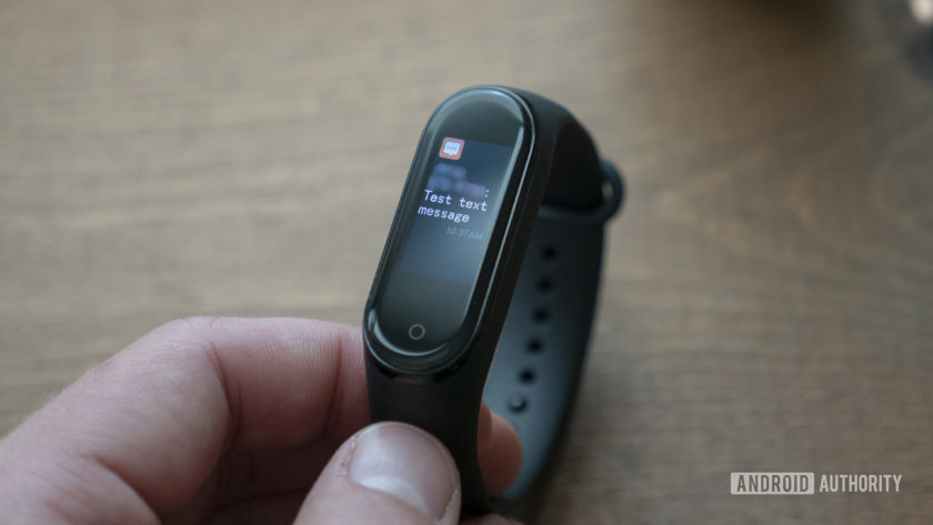 xiaomi mi band 4 review notifications text message sms