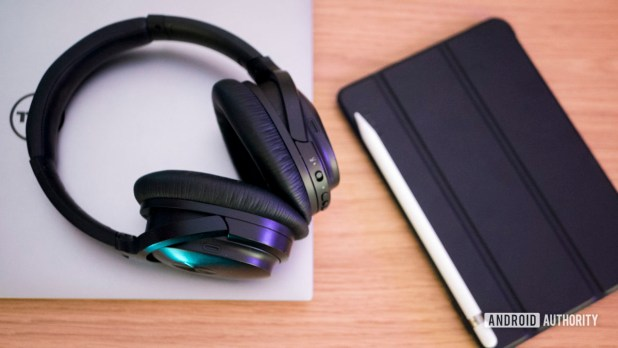 Gadgets Laptop Headphones Work Online