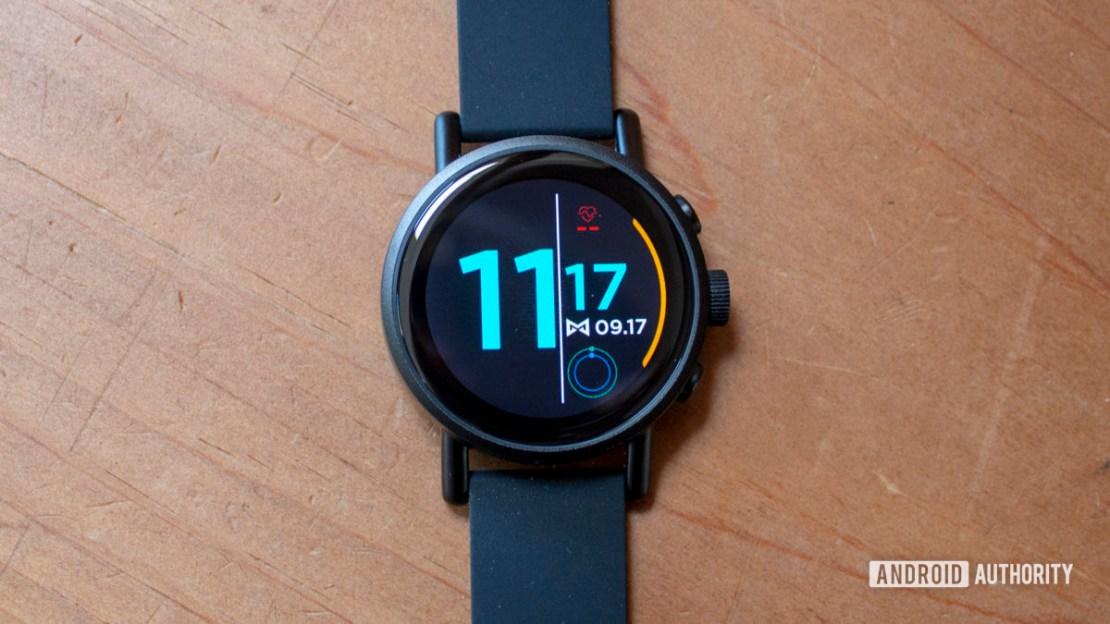 Misfit Vapor X Smartwatch Closeup on Front Panel Display