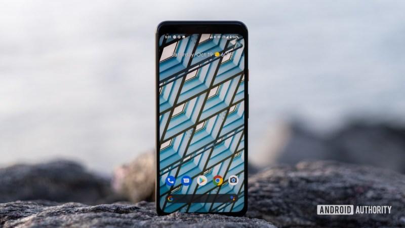 Google Pixel 4 XL home screen standing on the rock 15