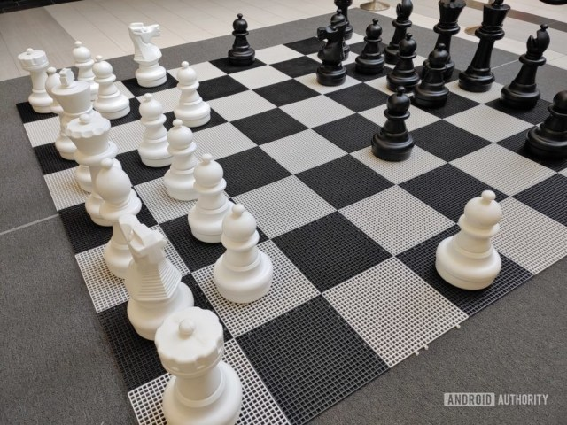 LG G8X ThinQ Review photo sample chess board