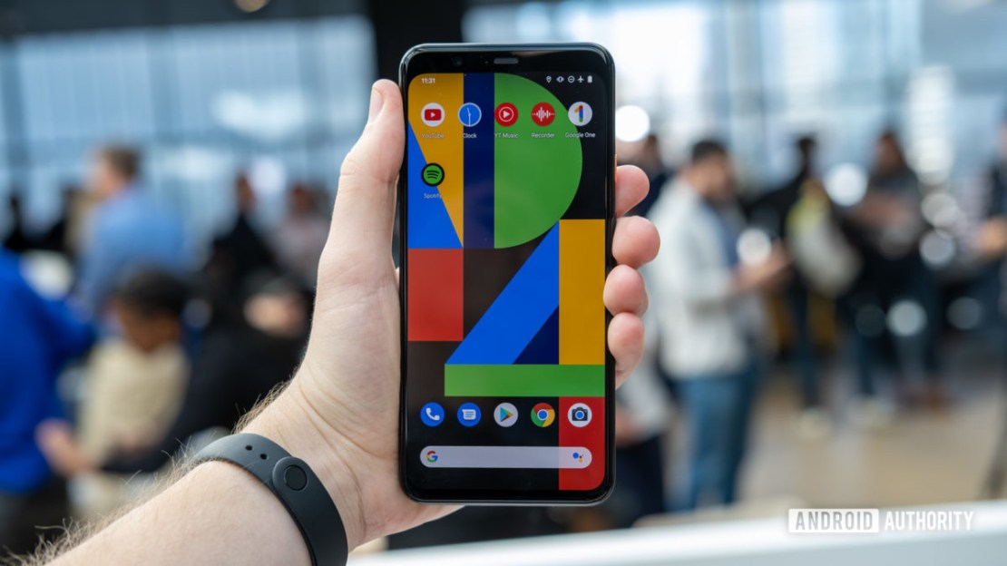 Pixel 4 XL Screen in hand 1 google project soli