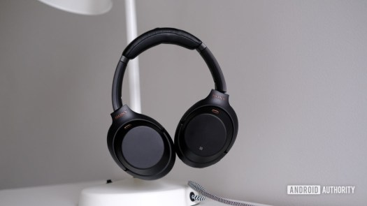 Sony WH 1000XM3 floating