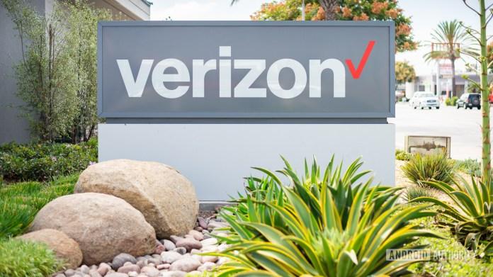 Verizon deals Wireless logo stock image 7