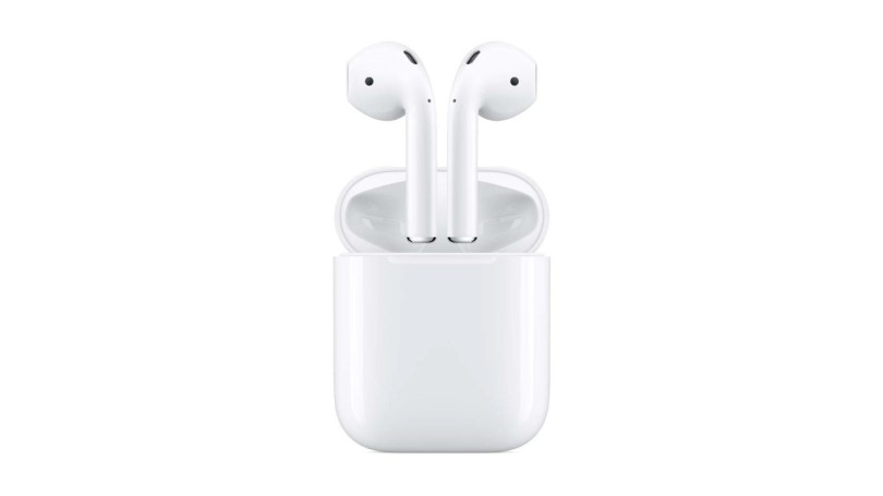Apple AirPods with Charging Case press render