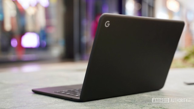 Google Pixelbook Go Review rear profile