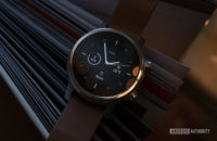 Moto 360 2019 review on book watch face 5