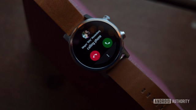 Moto 360 2019 review wear os phone call