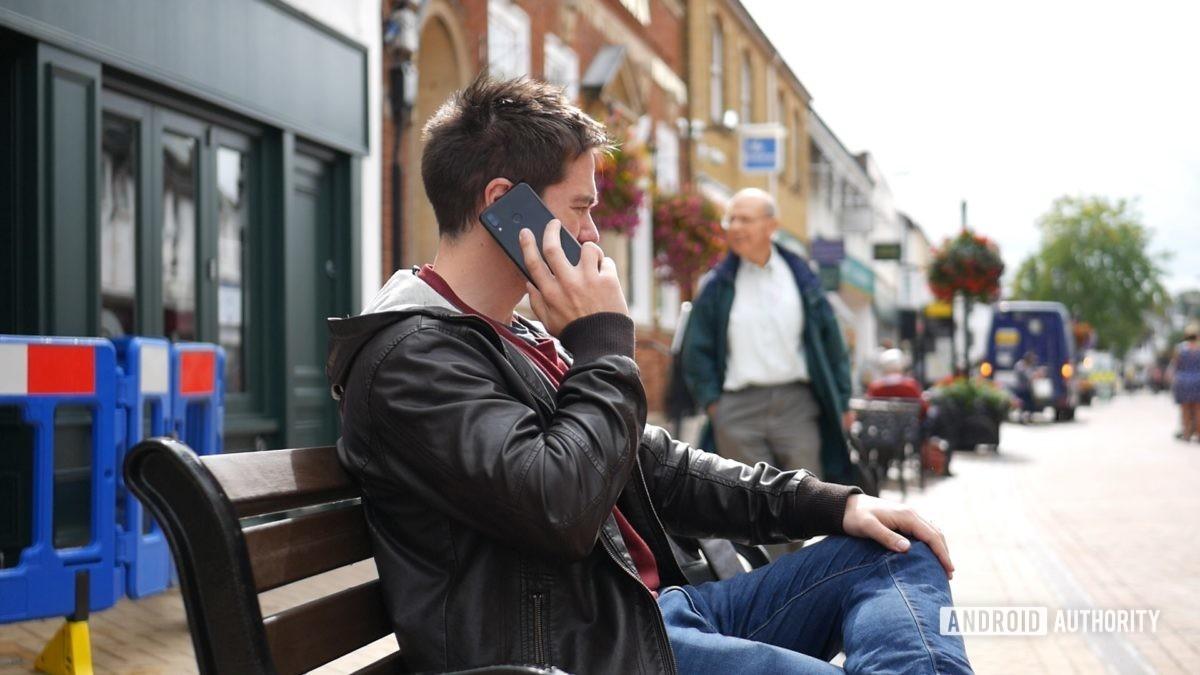 Телефонный звонок для восстановления данных