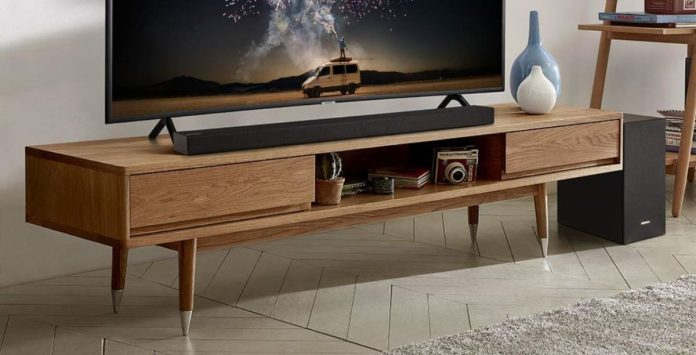 samsung HW-R450 soundbar and subwoofer by tv