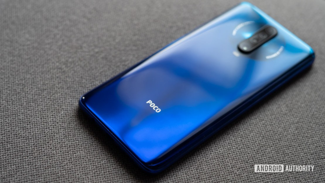 Poco X2 and logo in focus