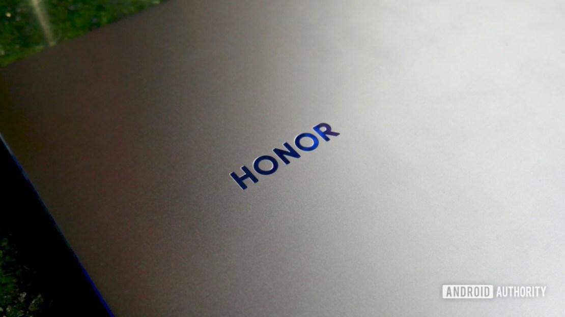 honor logo laptop