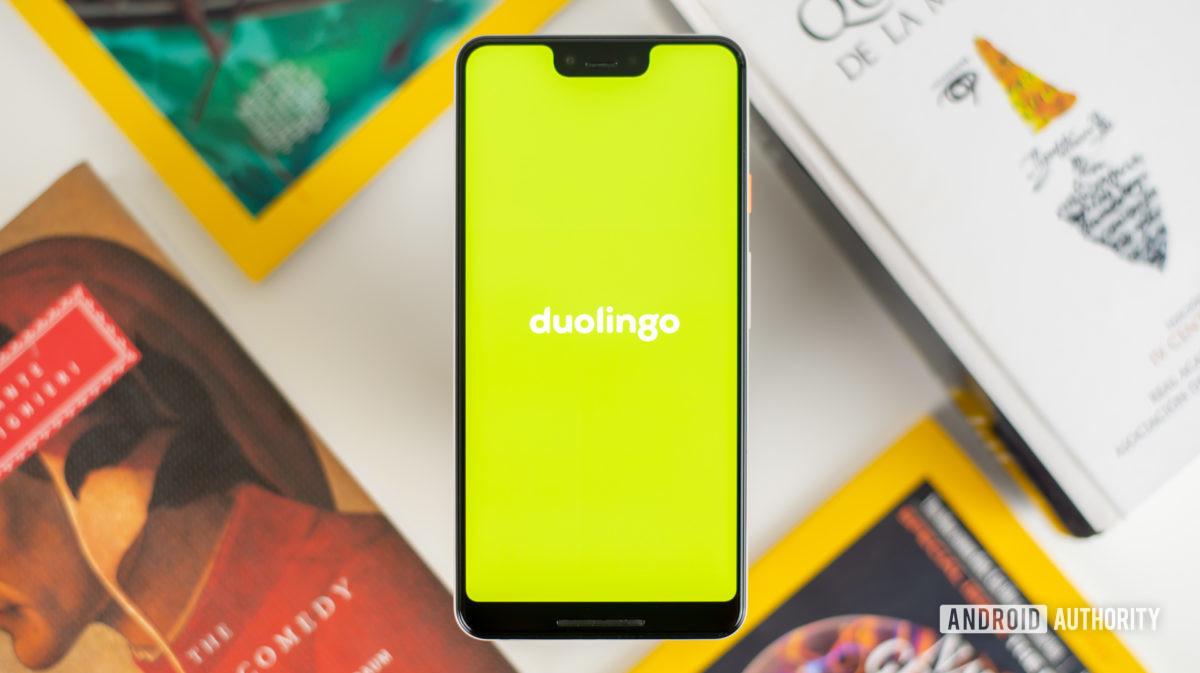 Приложение Duolingo на смартфоне стоковое фото 3