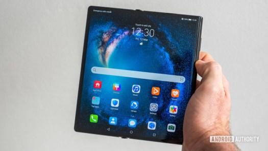 Huawei Mate Xs review home screen open