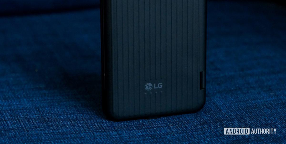 Макрос логотипа LG V60 с двойным экраном