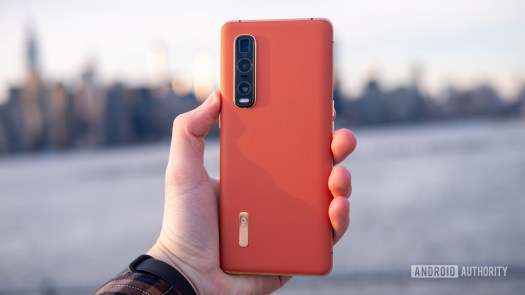 Oppo Find X2 Pro back in hand