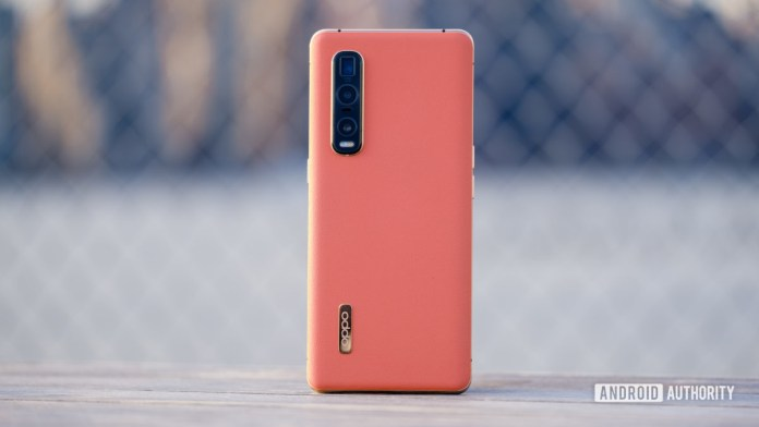 Oppo Find X2 Pro back standing