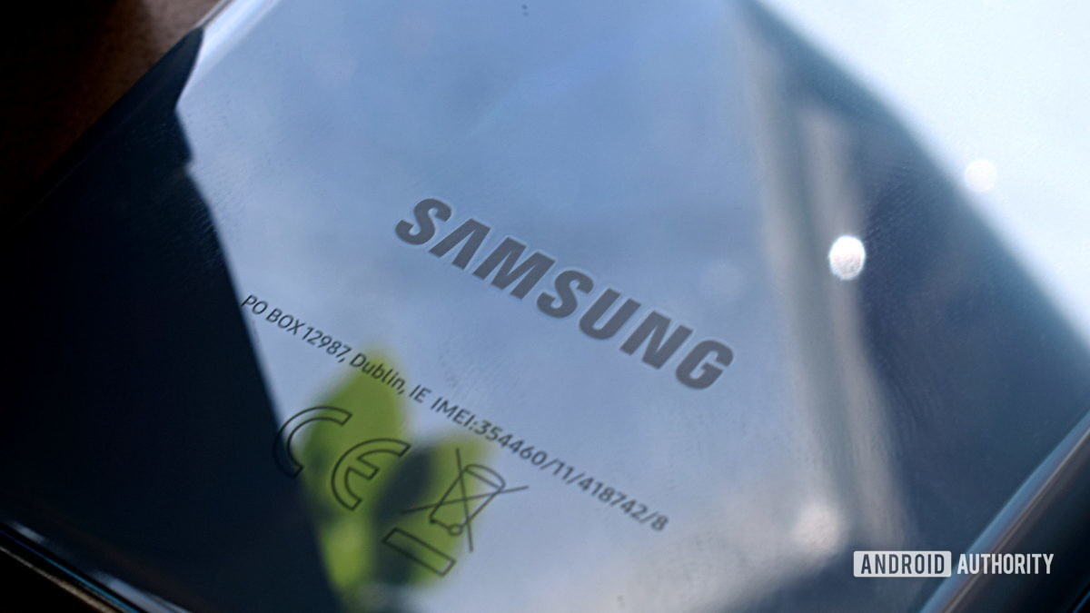 Samsung Logo Galaxy S20 2