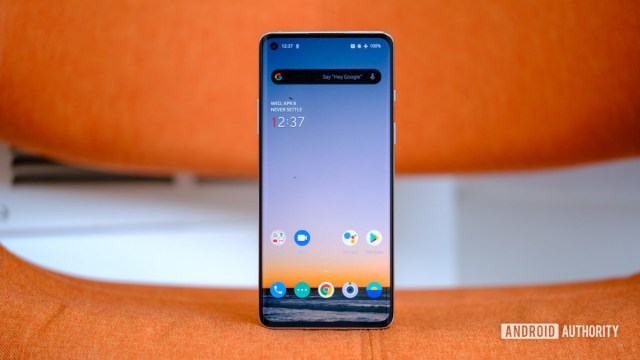 OnePlus 8 standing up screen