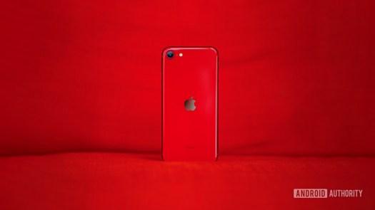 iPhone SE review header - Best Verizon prepaid phones