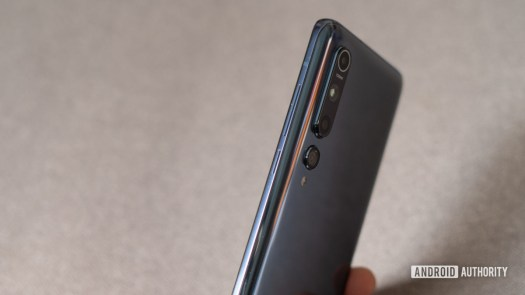 Xiaomi Mi 10 side profile and buttons