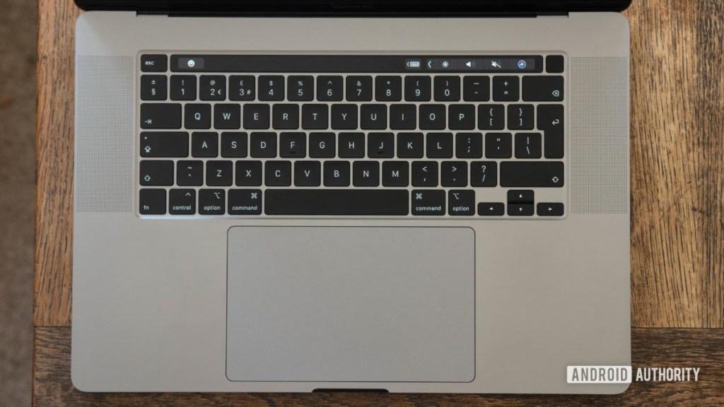 16-дюймовая клавиатура и трекпад MacBook Pro