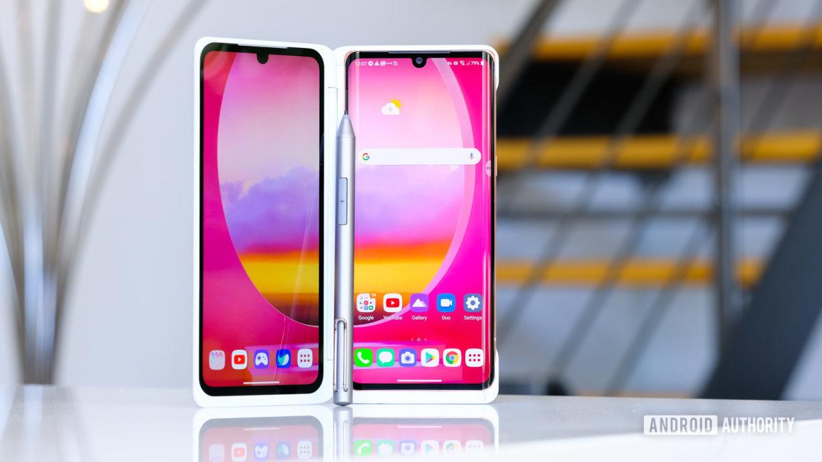 LG Velvet в двойной экран стоя